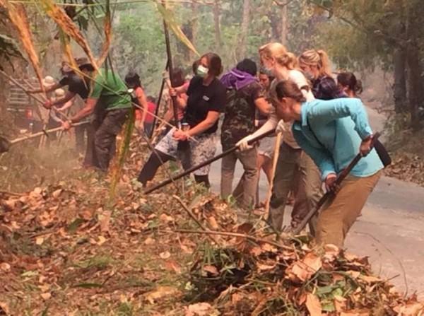 Volunteers help stop the fires