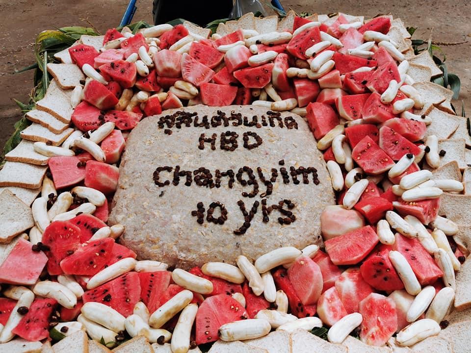 Strange Chang Yims Special Birthday Cake On His 10Th Birthday Elephant Funny Birthday Cards Online Benoljebrpdamsfinfo
